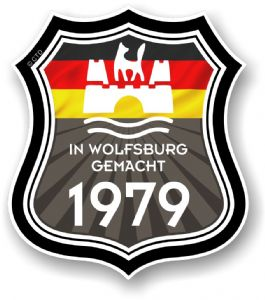 In Wolfsburg Gemacht 1979 Shield Motif Fits All VW External Vinyl Car Sticker 105x120mm